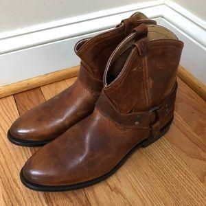 Frye Wyatt Harness Short Boot Cognac, Size 9